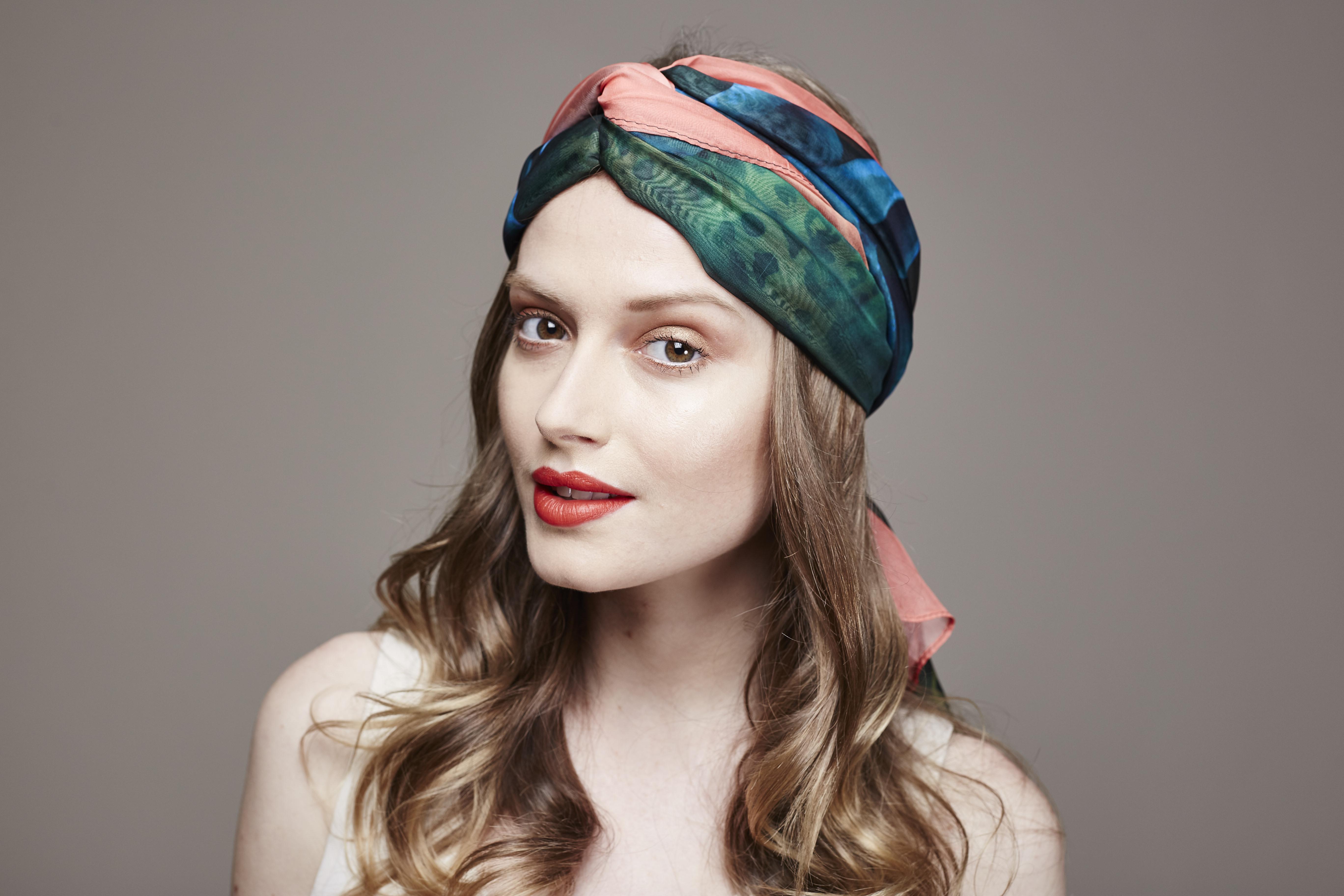 MODE   BEAUTÉ   4 façons de nouer votre foulard Purday 0e00ee67680