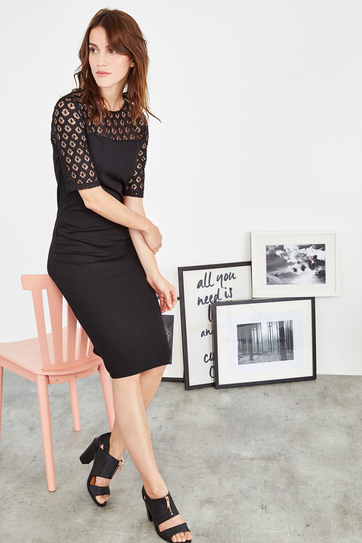 robe en dentelle noir collectionIRL - profil