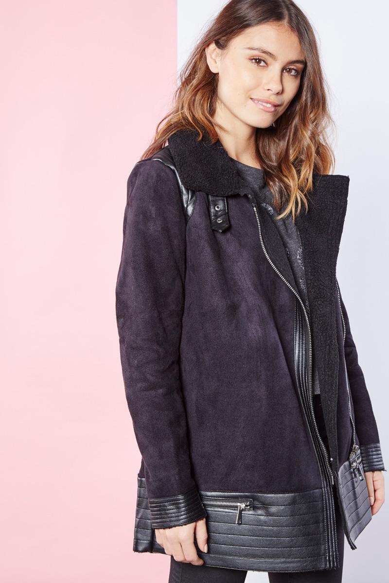 Cache Cache manteau noir