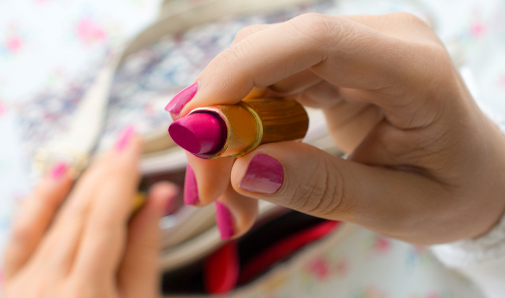 LIPSTICK_ARTICLE