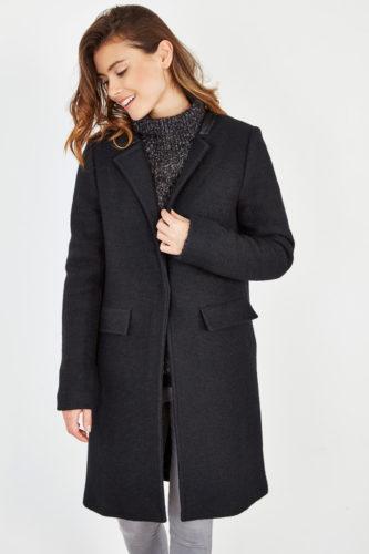 black_coat_1
