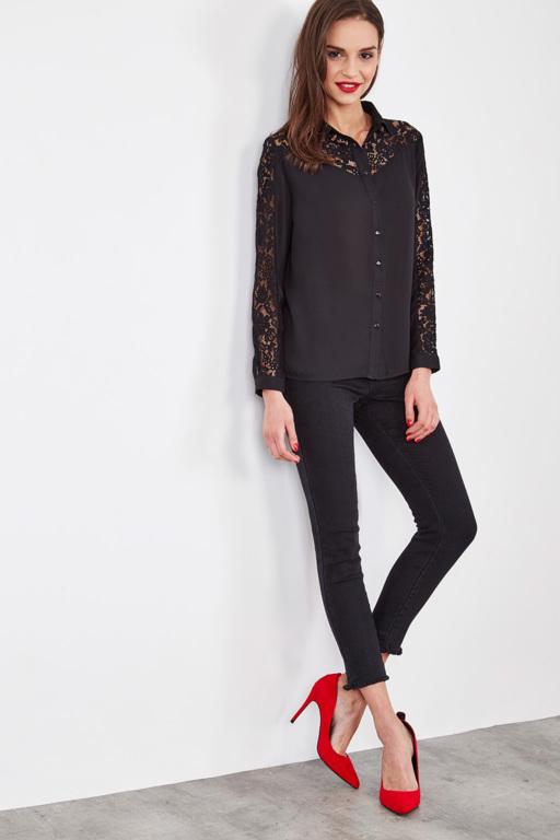 #collectionIRL chemise noire à dentelle pour femme