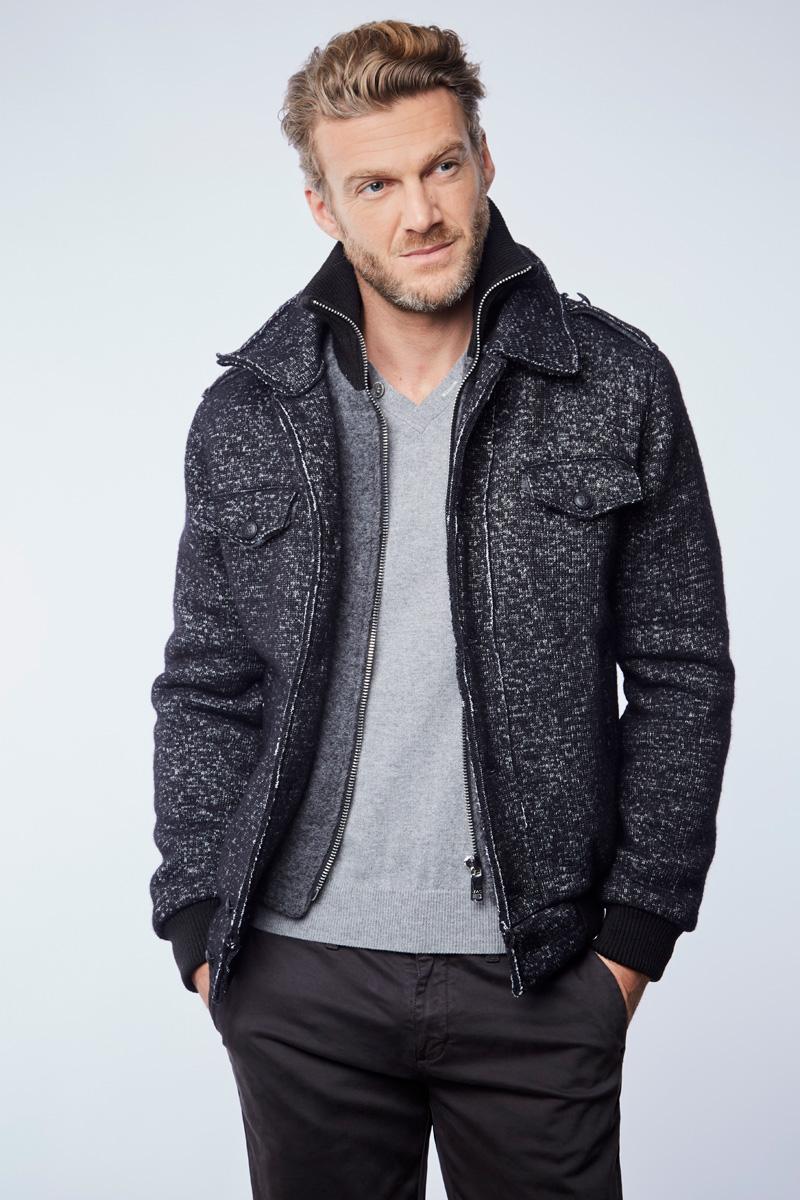 Vente privée Izac disponible sur Showroomprivé vêtements et accessoires pour homme, manteau en laine grise et noire