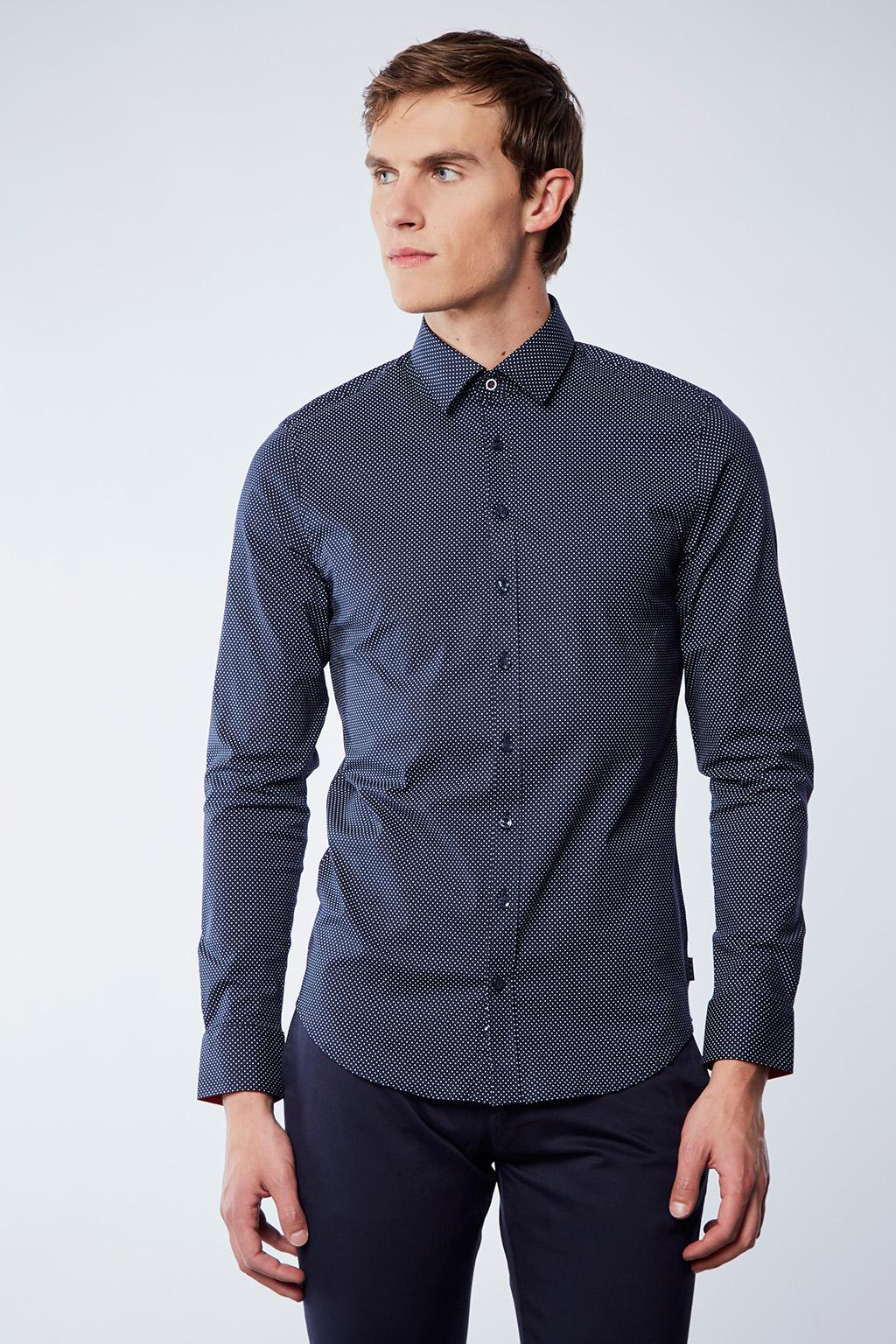 Vente privée Izac disponible sur Showroomprivé vêtements et accessoires pour homme, chemise bleue marine à pois
