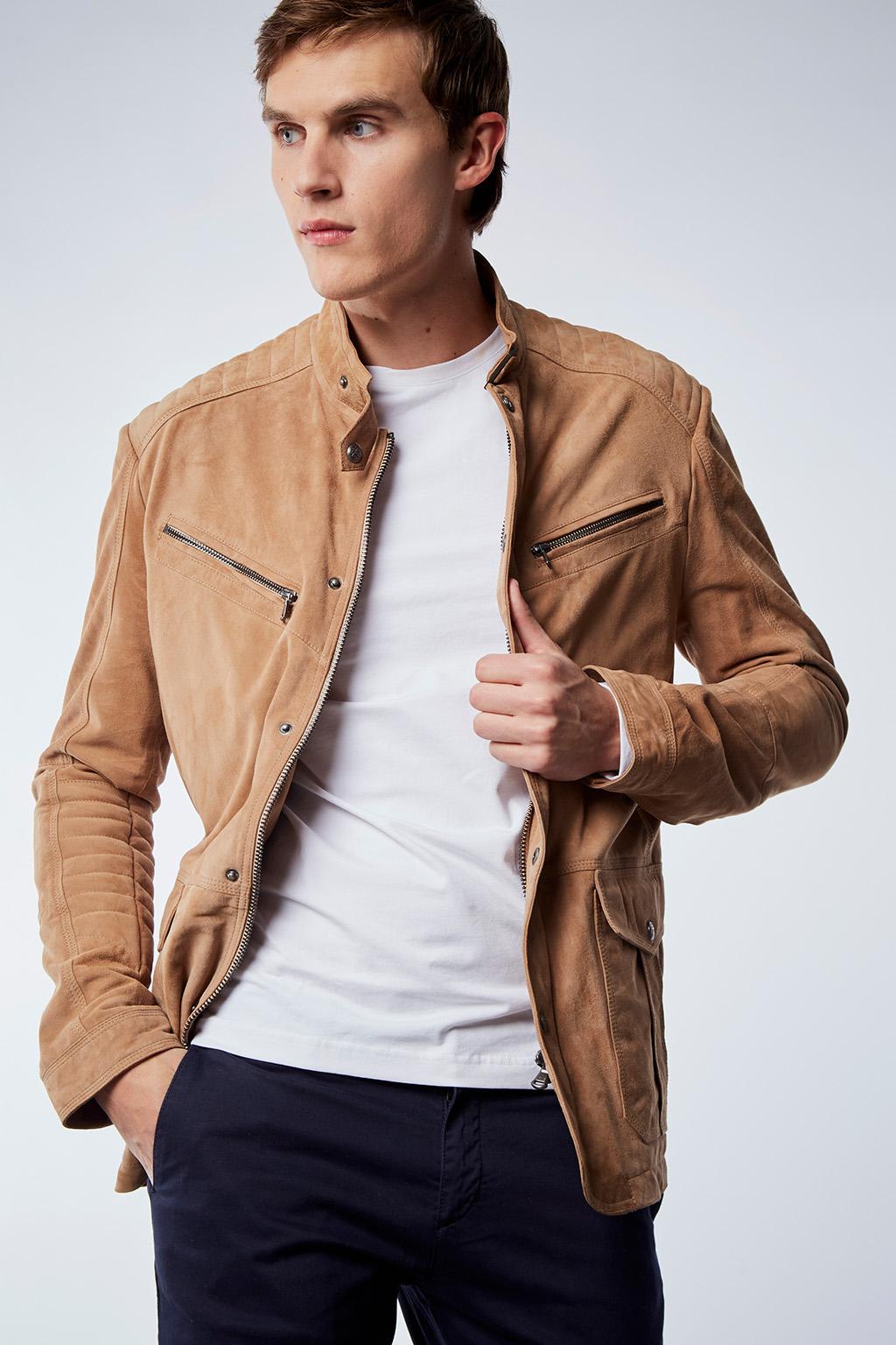 Vente privée Izac disponible sur Showroomprivé vêtements et accessoires pour homme, veste en cuir marron,