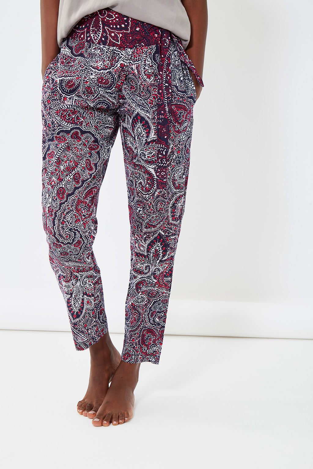 Vente privée femme Oysho lingerie, homewear et sport, pantalon de nuit à motif bordeaux