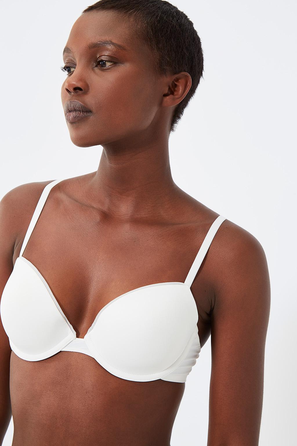 Vente privée femme Oysho lingerie, homewear et sport, soutien-gorge ampliforme blanc