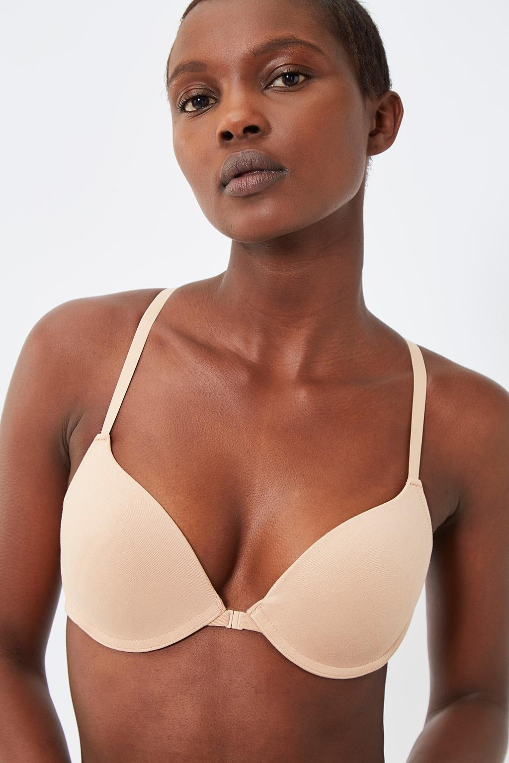Vente privée femme Oysho lingerie, homewear et sport, soutien-gorge push-up nude