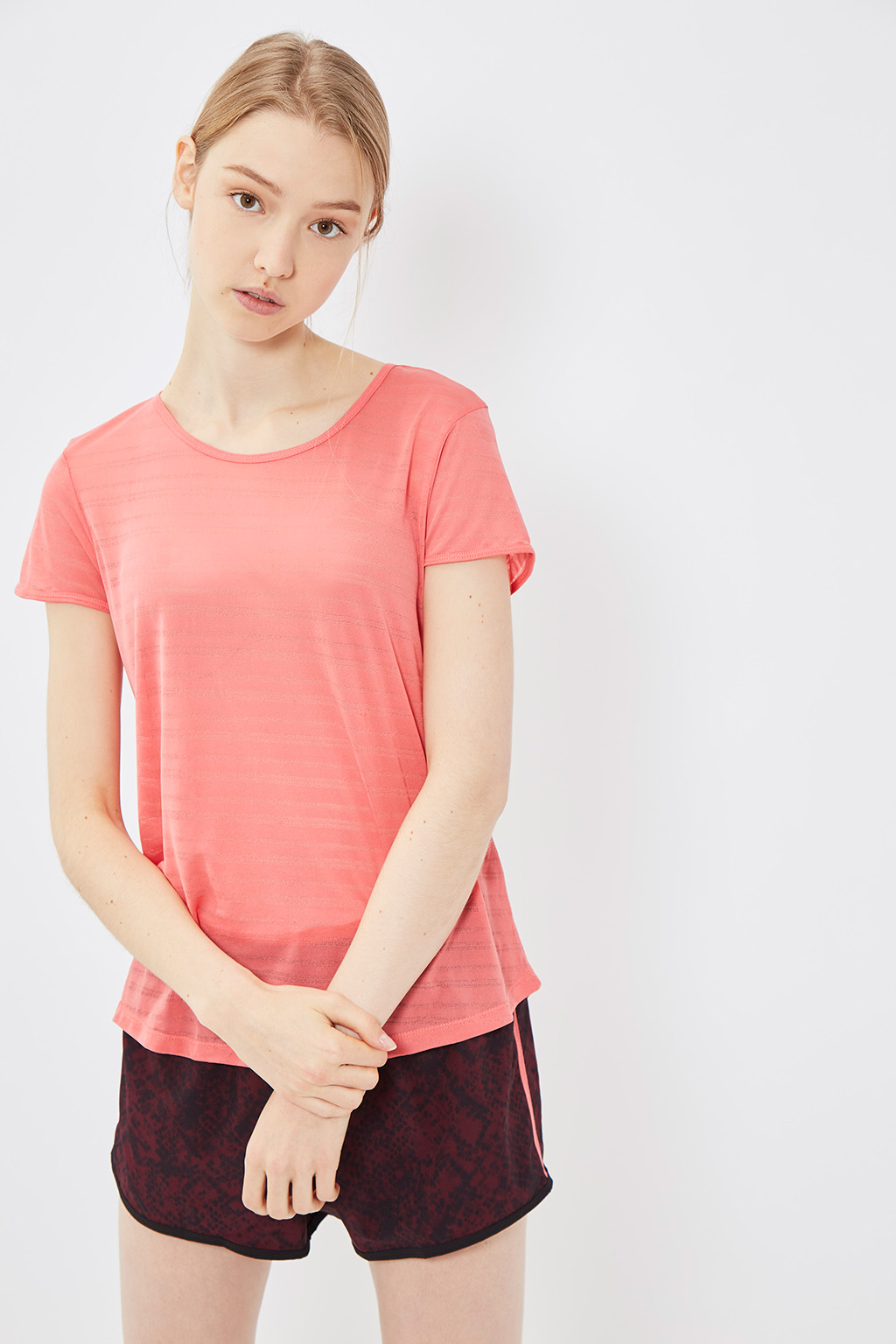 Vente privée femme Oysho lingerie, homewear et sport, t-shirt de sport orange