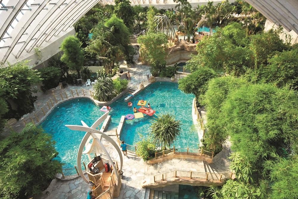 Voyages loisirs 6 bonnes raisons d 39 offrir un s jour for Center parc piscine