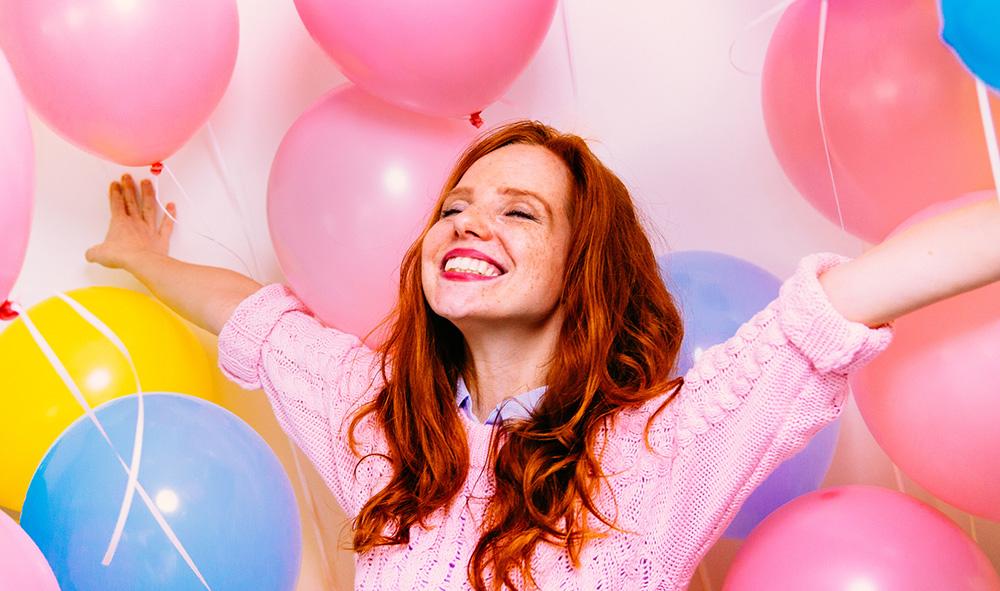 Article sujet tendance Paillettes Grises sur les roux à l'occasion du Kiss a Ginger Day