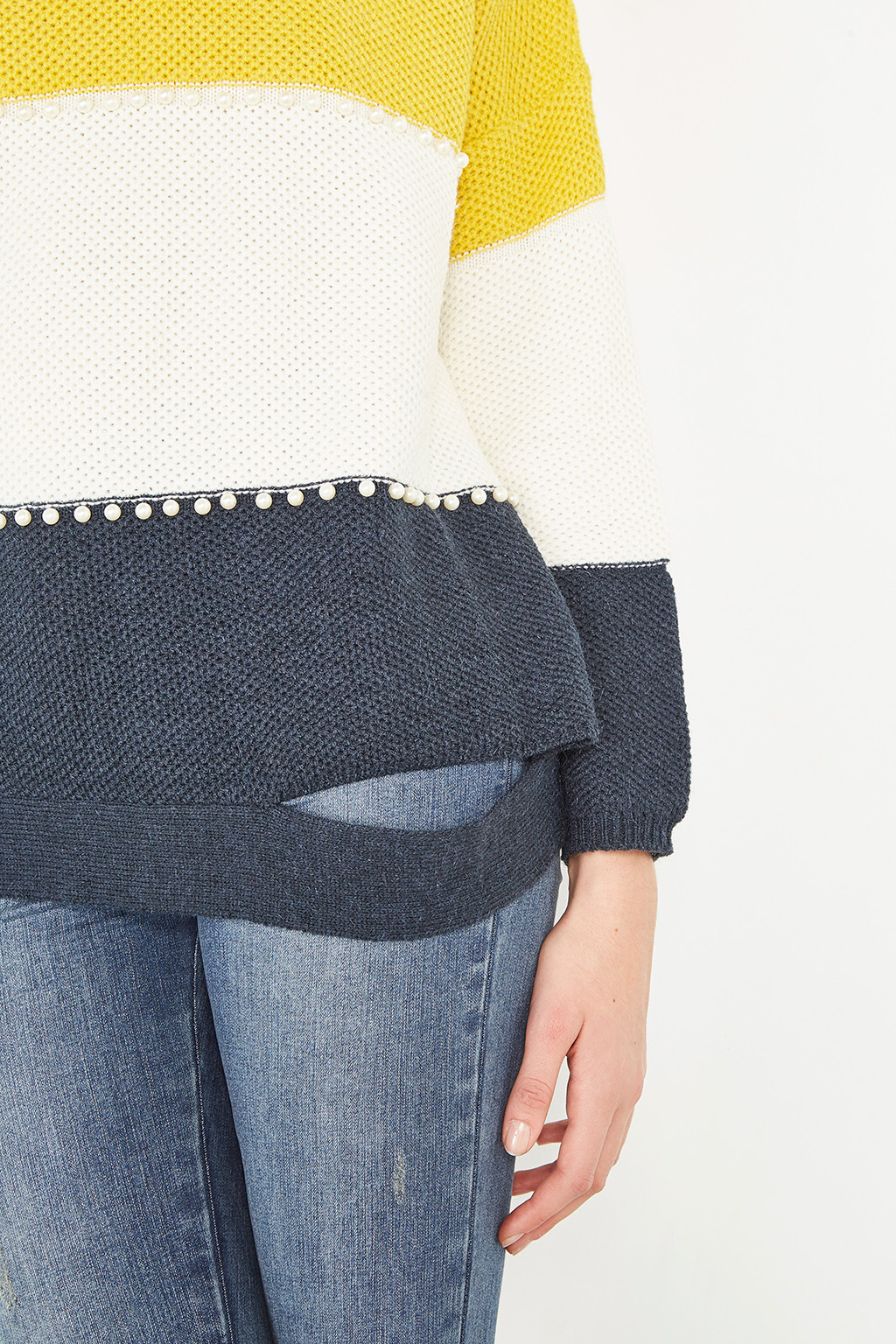 Pull à perles #collectionIRL sur Showroomprivé.