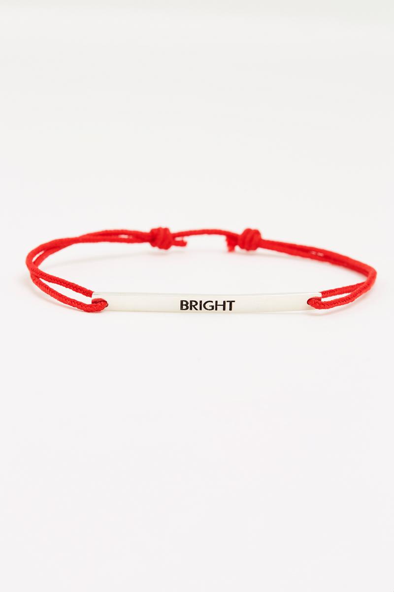 Vente de bracelets à l'occasion de la journée de la femme pour l'association Toutes à l'école.