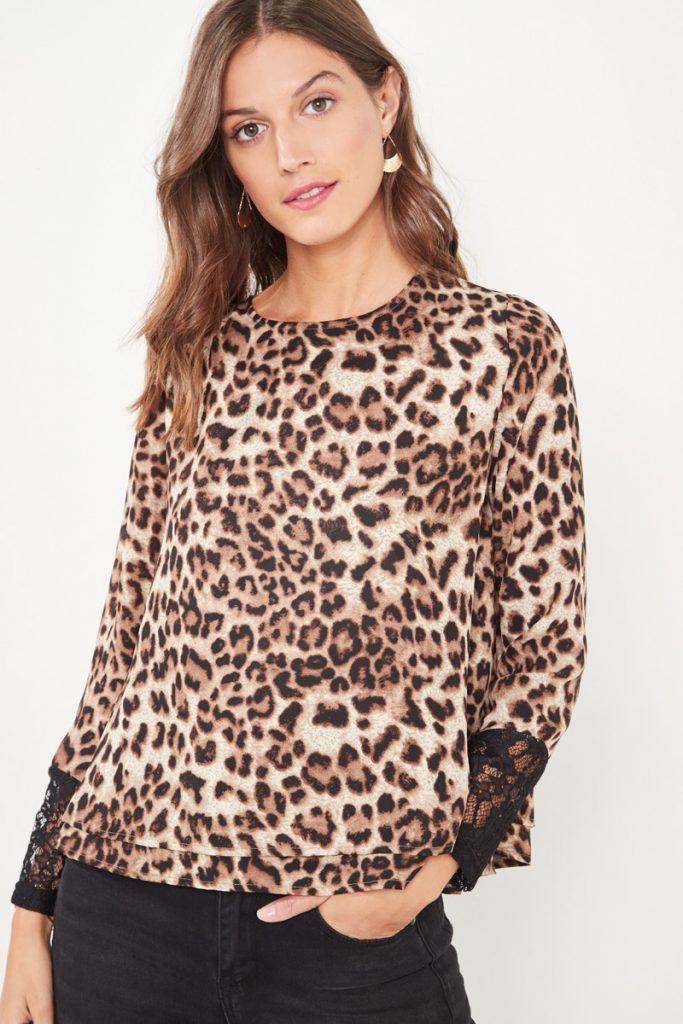 collectionIRL blouse léopard à détails dentelle