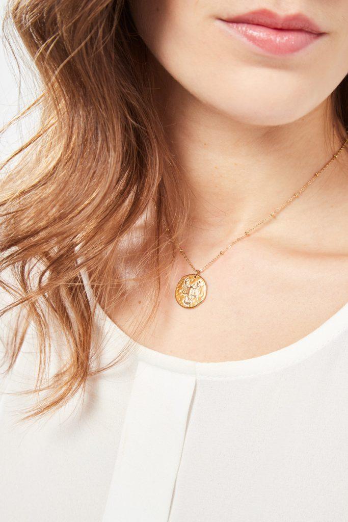 collectionIRL collier doré Scorpion