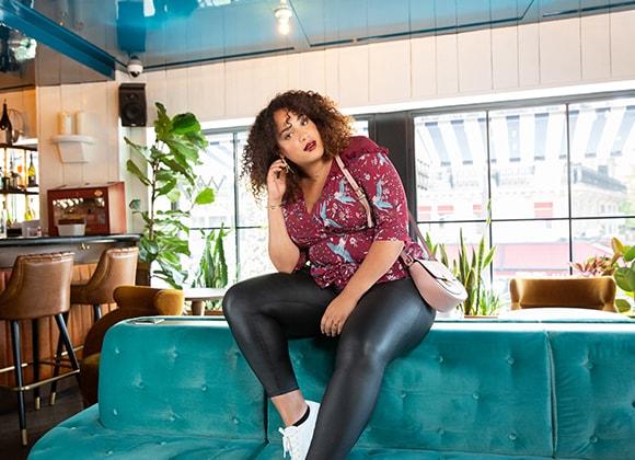 Vente privée de prêt-à-porter pour femme curveIRL by Showroomprivé.