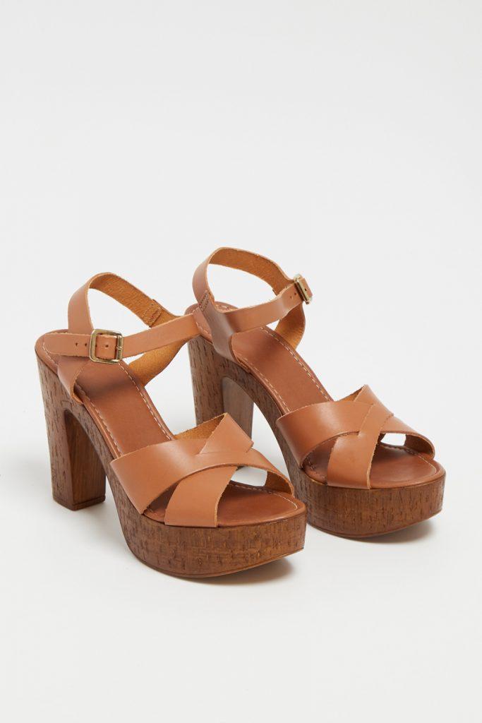 Bata sandales talons en cuir