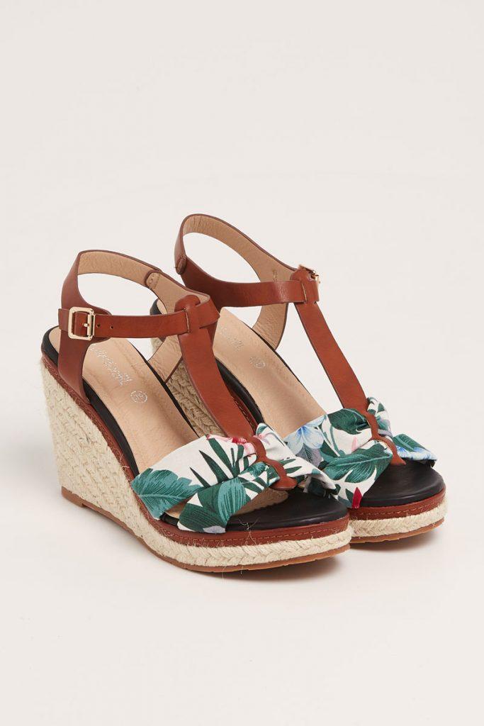 collectionIRL sandales compensées empiècement fleuri