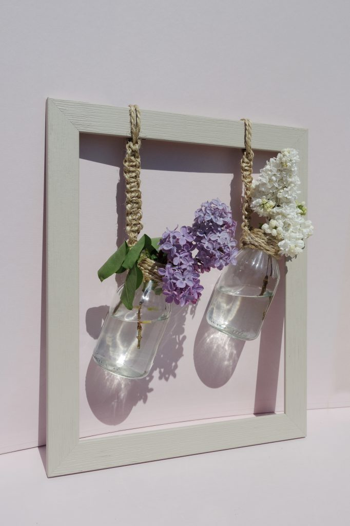 Un DIY pour réaliser soi-même des vases suspendus.